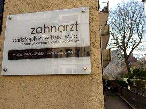 Zahnarztpraxis Wittek in Augsburg - Außenansicht Völkstr. 8